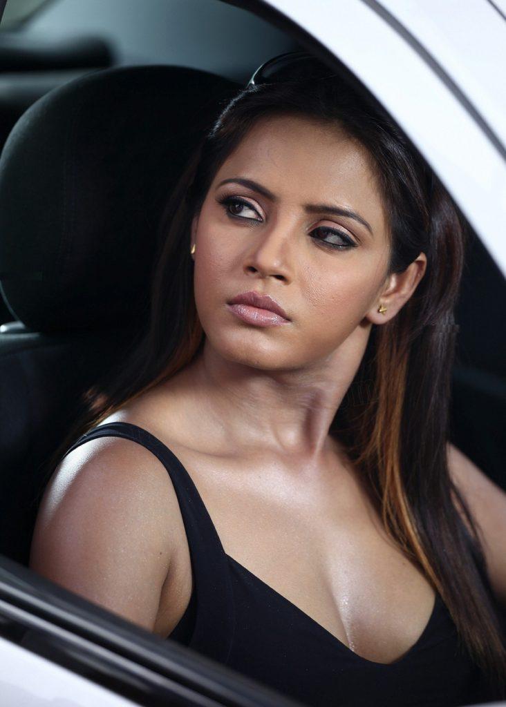 Neetu Chandra Images In Bra Panty