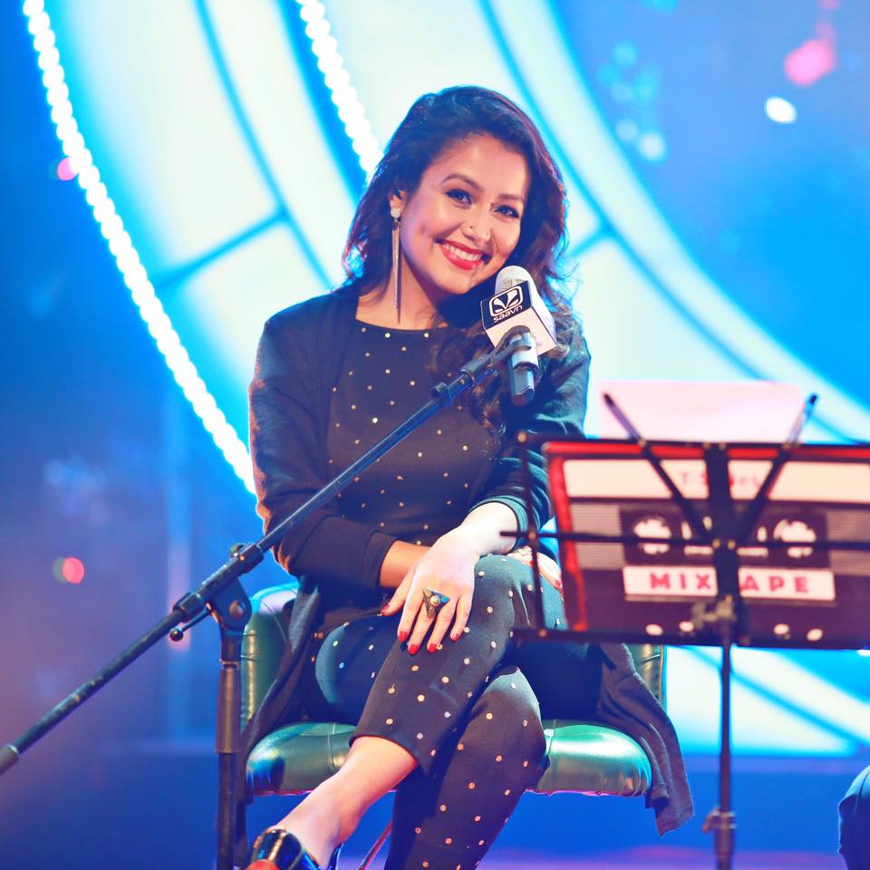 Neha Kakkar Hot & Sexy Look Pictures In Black