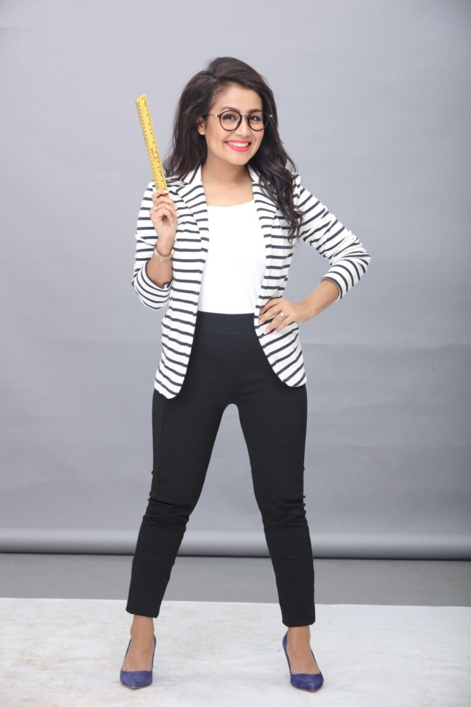 Neha Kakkar In Jeans Top Pictures