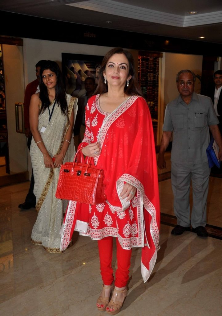 Nita Ambani Beautiful Wallpapers