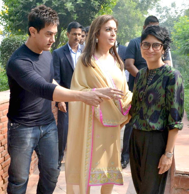 Nita Ambani Pics With Aamir Khan & Kiran Rao