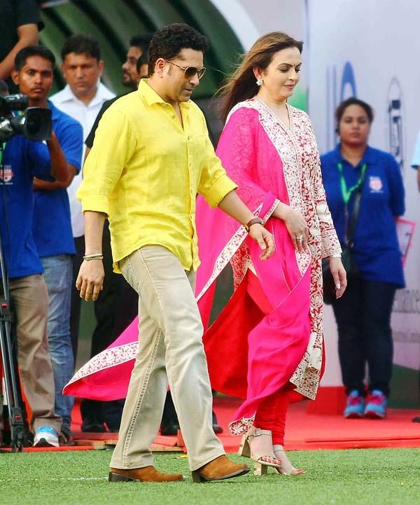 Nita Ambani Pics With Sachin Tendulkar