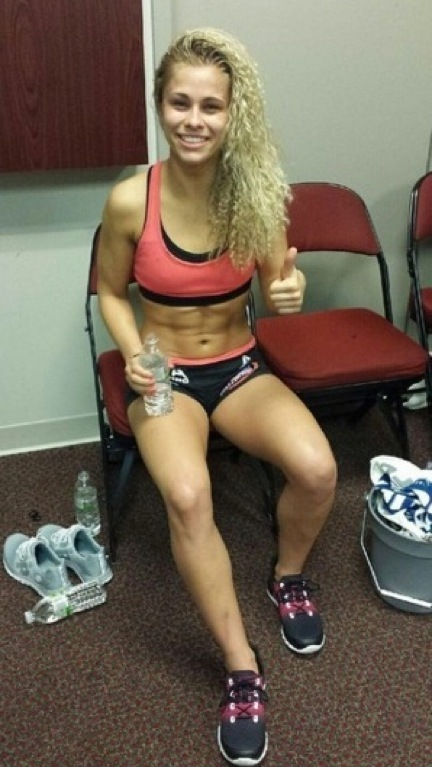Paige VanZant Hot Legs Photos