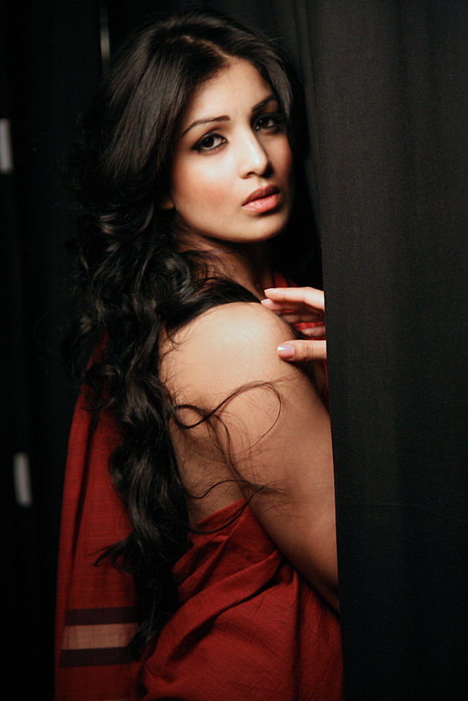 Pallavi Sharda Hot Backside Wallpapers
