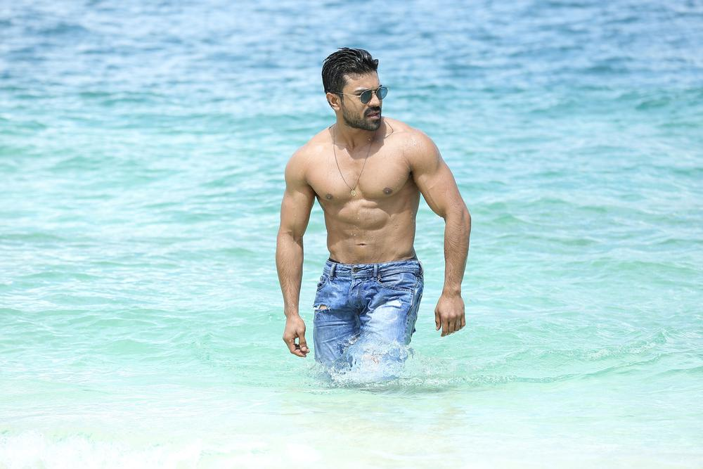 Ram Charan Sexy Body On The Beach Pics Full HD