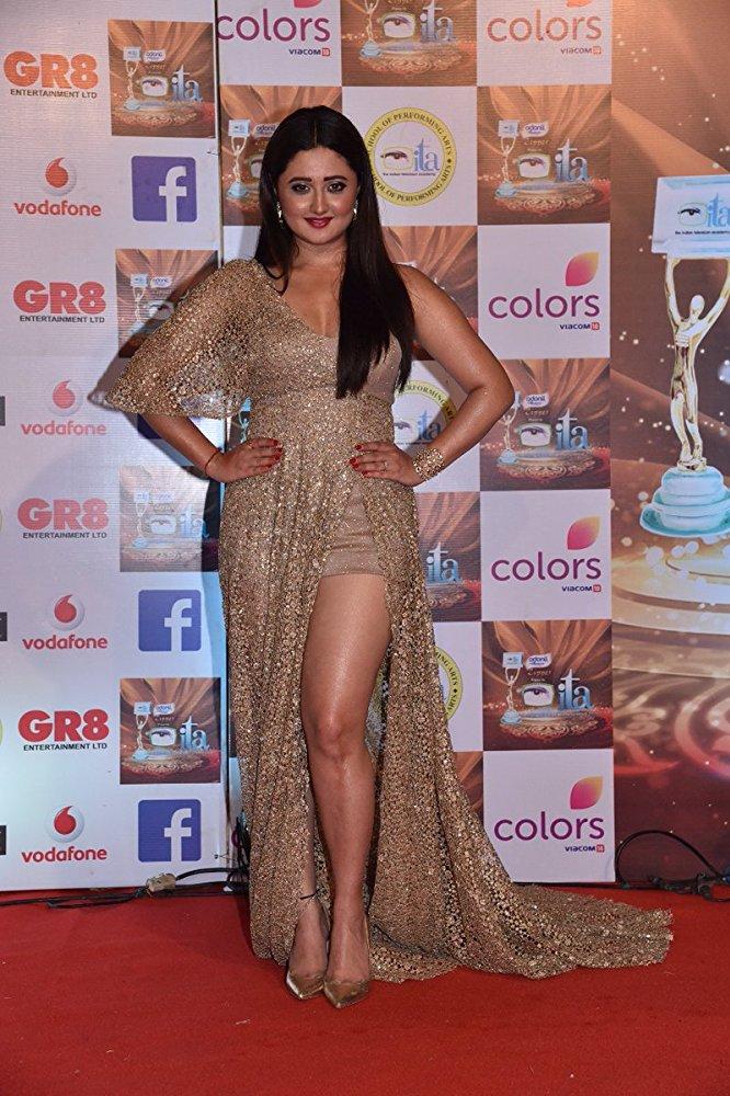 Rashami Desai Sexy Legs Wallpapers