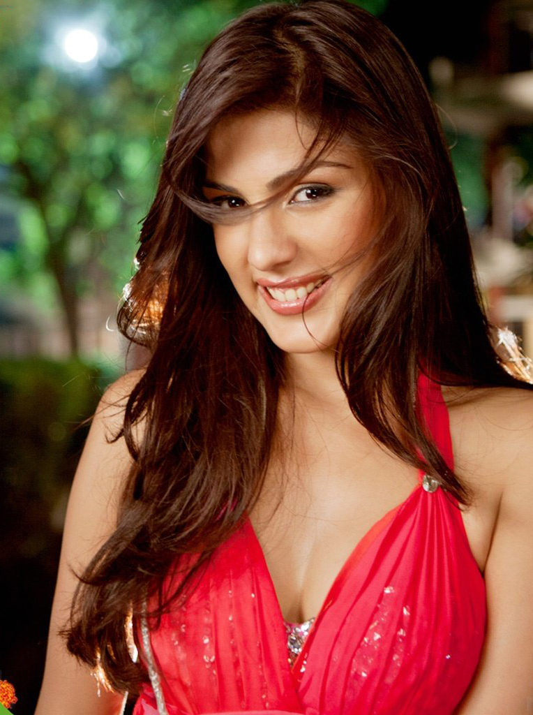 Rhea Chakraborty Hot HD Wallpapers