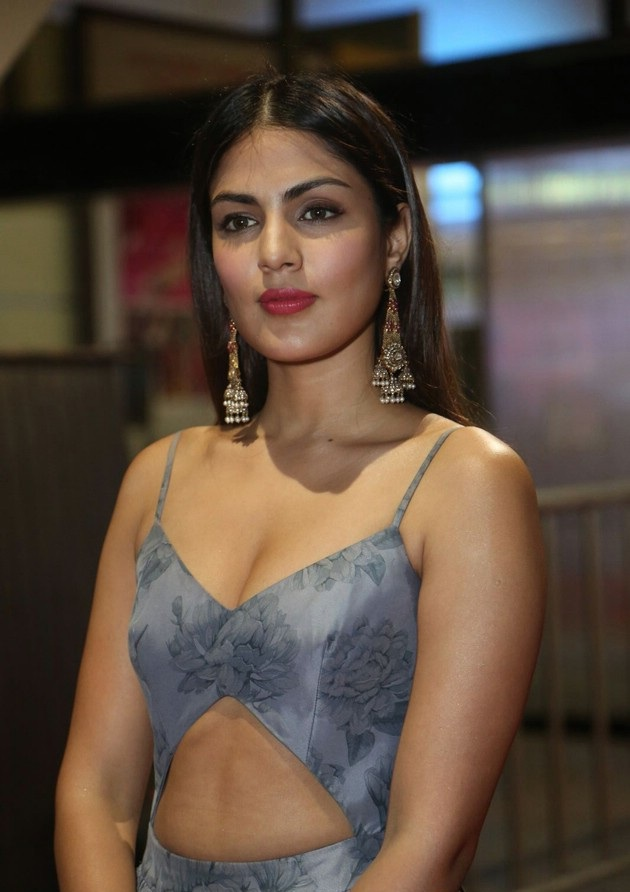 Rhea Chakraborty Hot