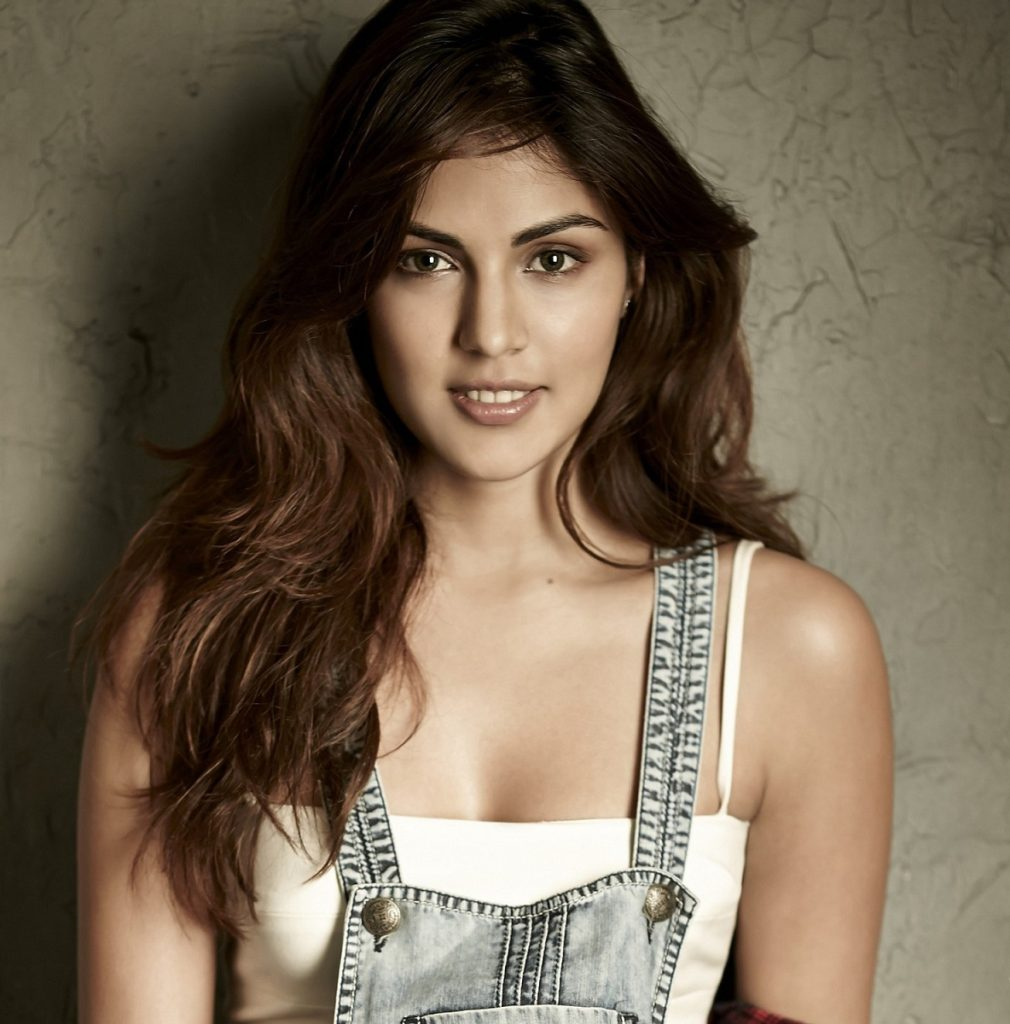 Rhea Chakraborty Latest New Full HD Pics Gallery