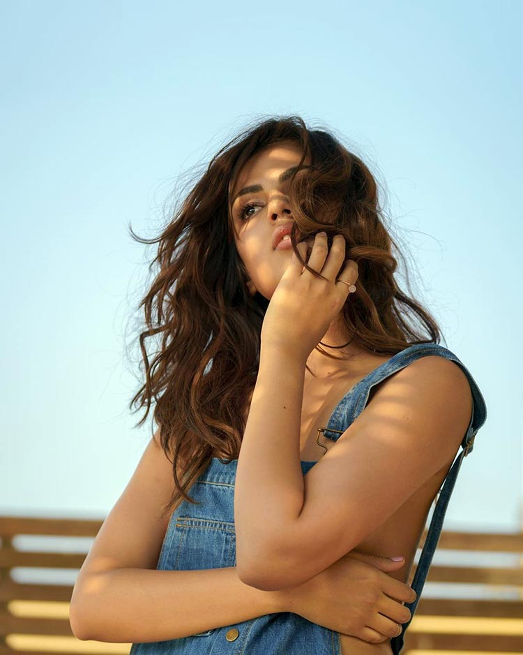 Rhea Chakraborty Sexy