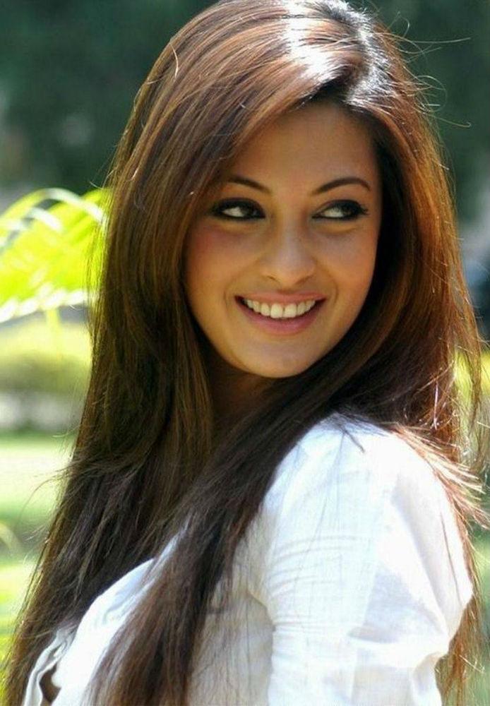 Riya Sen Latest Hair Style Pics