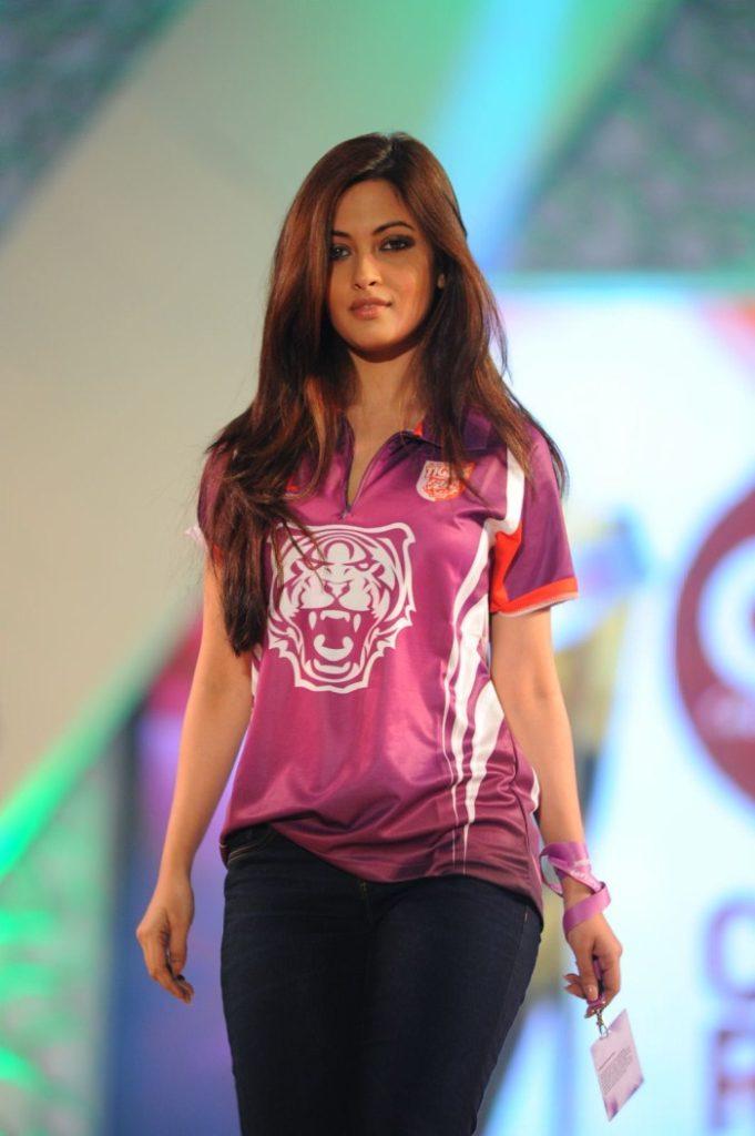 Riya Sen Pictures