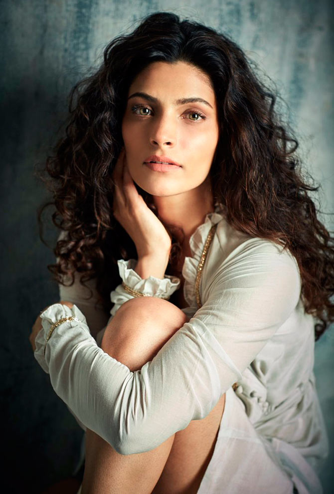Saiyami Kher Hot