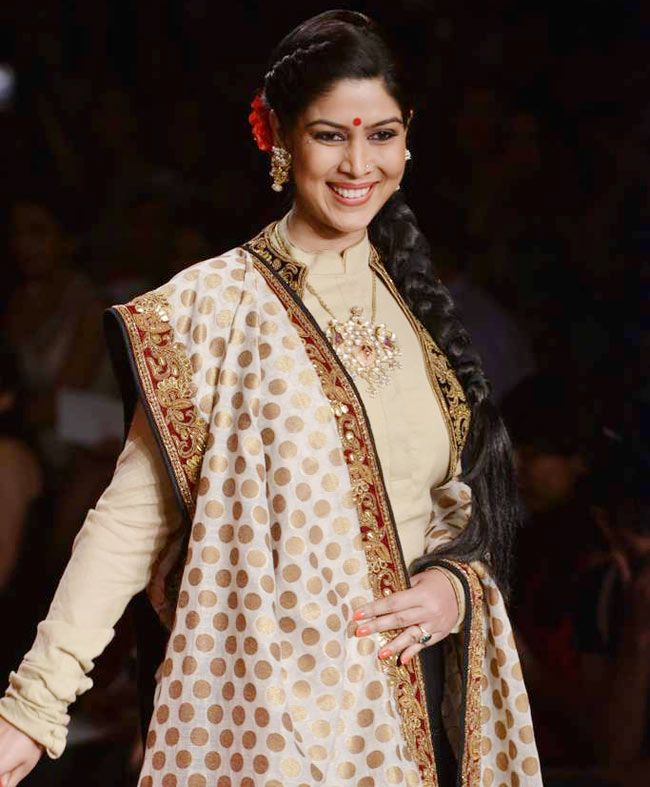 Sakshi Tanwar Attractive Wallpapers