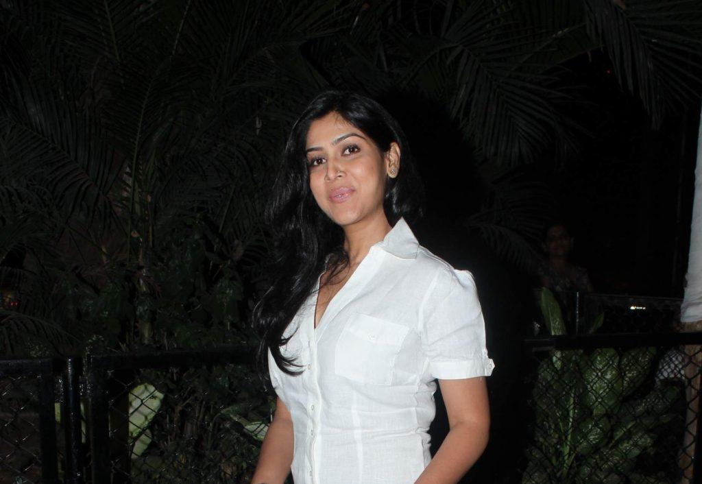 Sakshi Tanwar New & Nice Pics