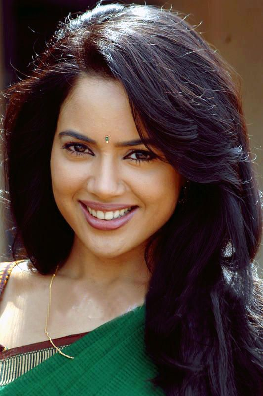 Sameera Reddy Images For Profile Pics