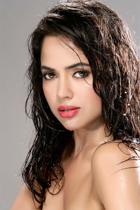Sameera Reddy Pics Free Download