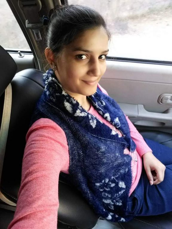 Sapna Choudhary Hot Images In Jeans Top Pics