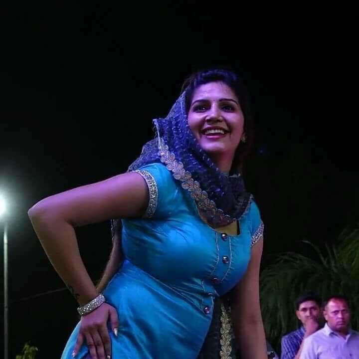 Sapna Choudhary Sexy Wallpapers In Salwaar Kamiz