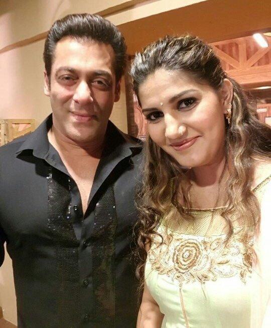 Sapna Choudhary With Big Boss Salman Khan Wallpapers
