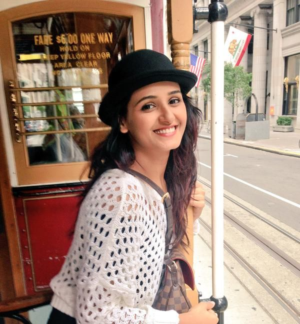 Shakti Mohan Hot Images With Cap
