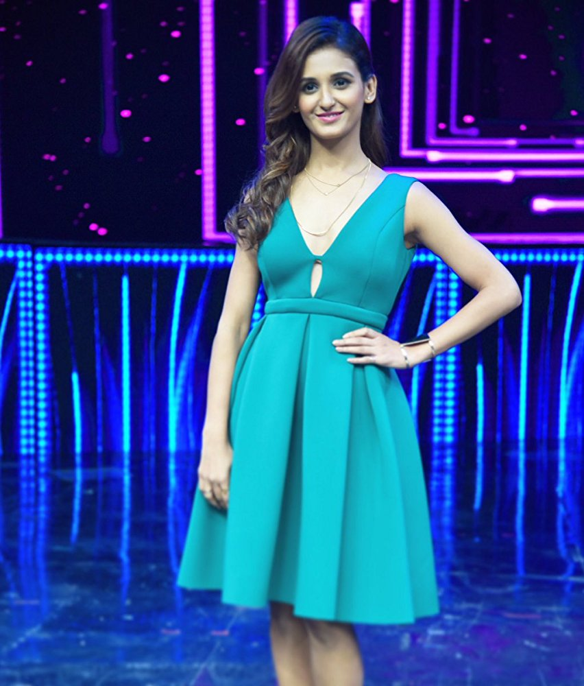 Shakti Mohan Hot Pictures At Show