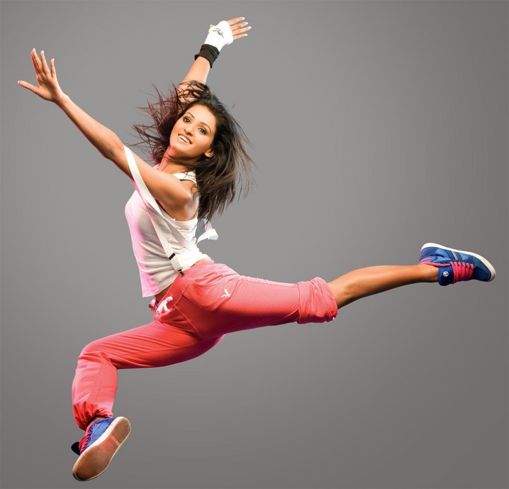 Shakti Mohan Sexy Dance Move Pics