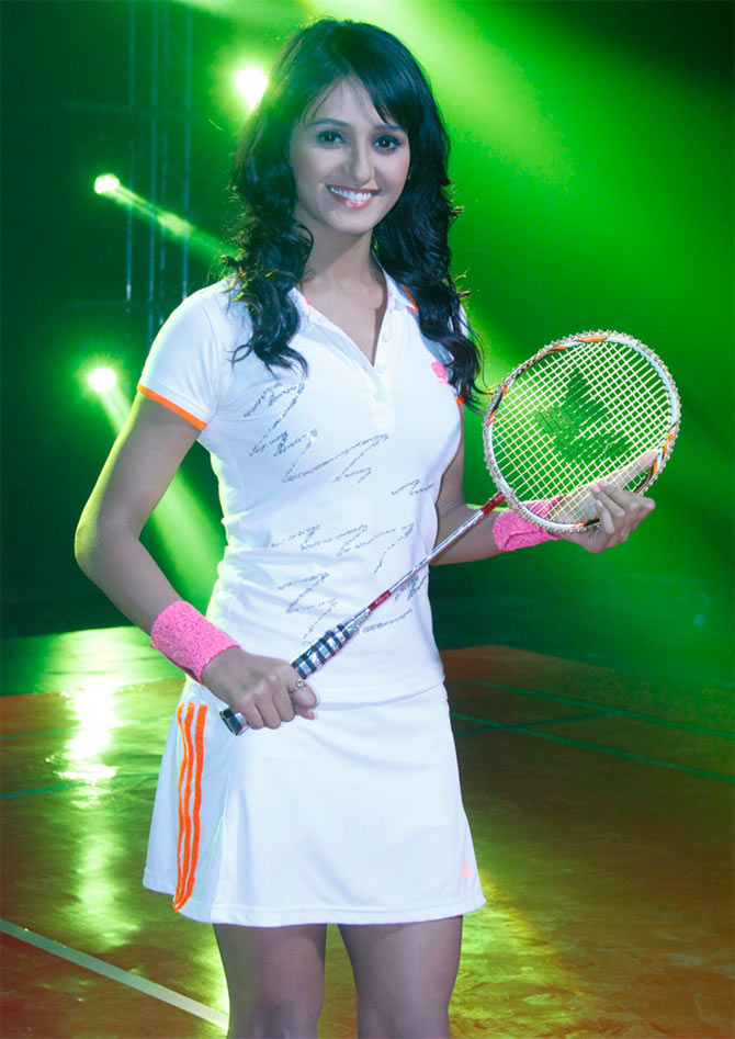 Shakti Mohan Sexy Looking Pictures