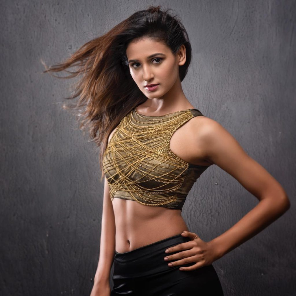 Shakti Mohan Sexy Navel Wallpapers