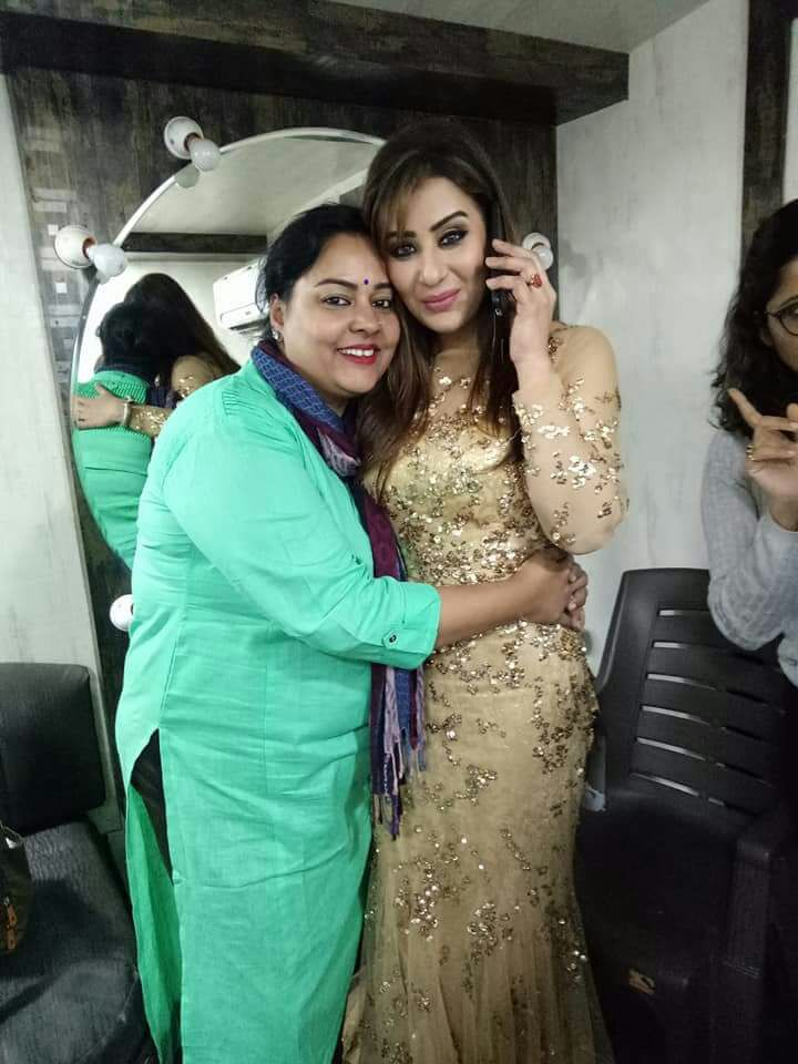 Shilpa Shinde Attractie Wallpapeprs With His Mother