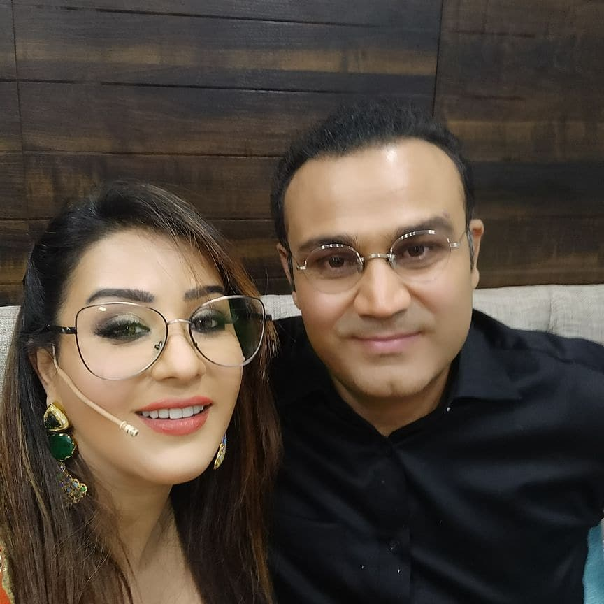 Shilpa Shinde Pics With Virender Sehwag