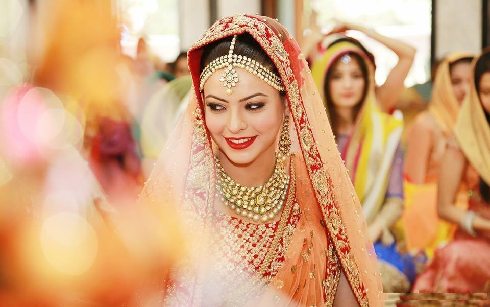 Sizzling Aamna Sharif Marriage Wallpapers Download