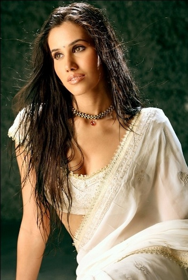 Sonnalli Seygall HD Pictures