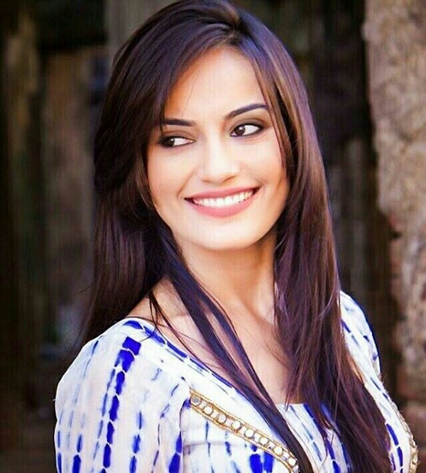 Surbhi Jyoti Images For Destkop