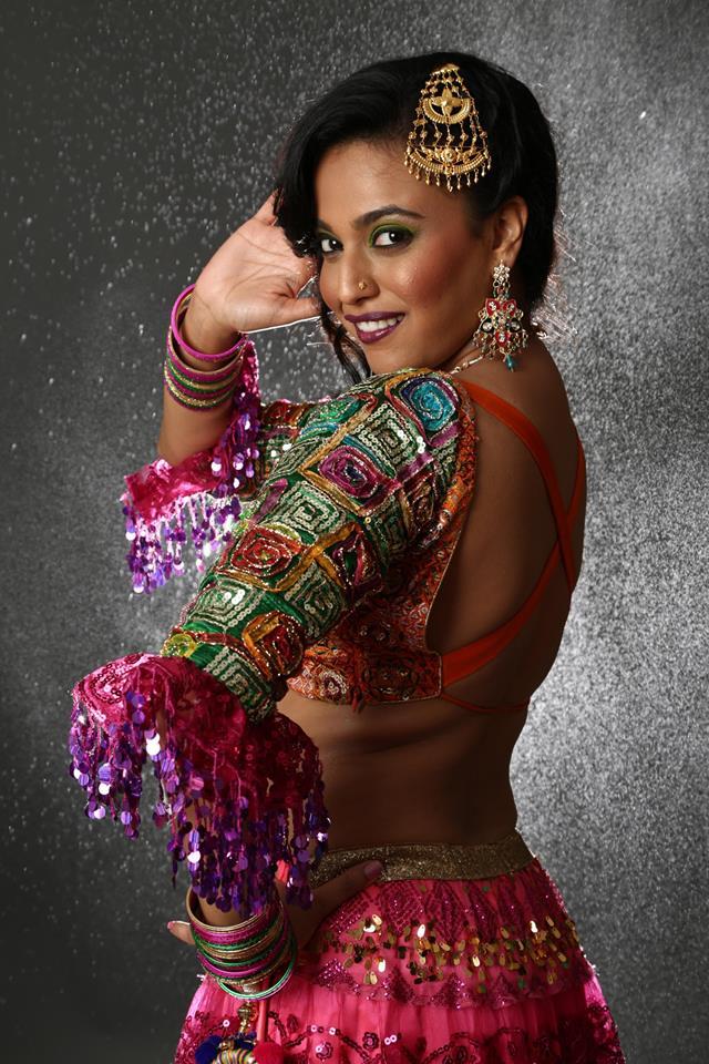 Swara Bhaskar Hot In Backside Pics