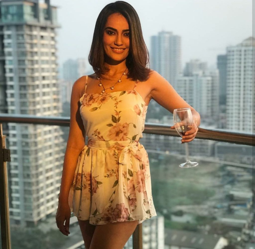 TV Actress Surbhi Jyoti Pics