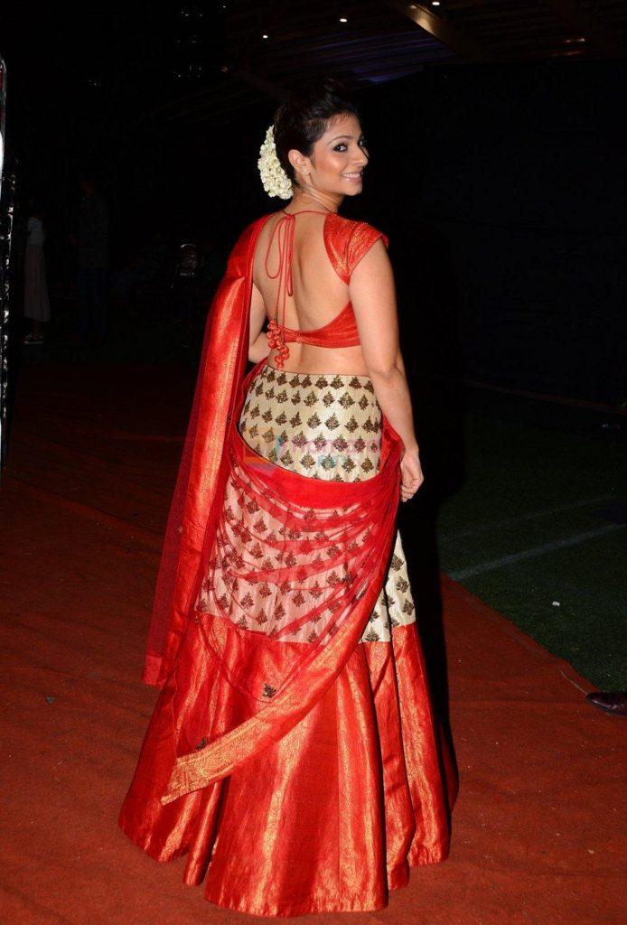 Tanishaa Mukerji Hot Backside Images