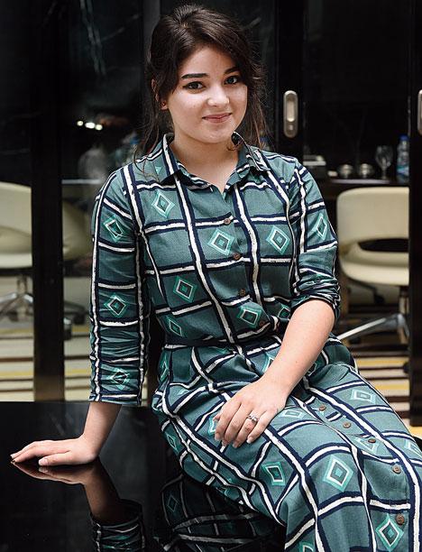 Zaira Wasim Very Hot Wallpapers