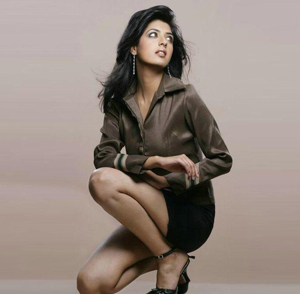 Aishwarya Sakhuja Bold Photos