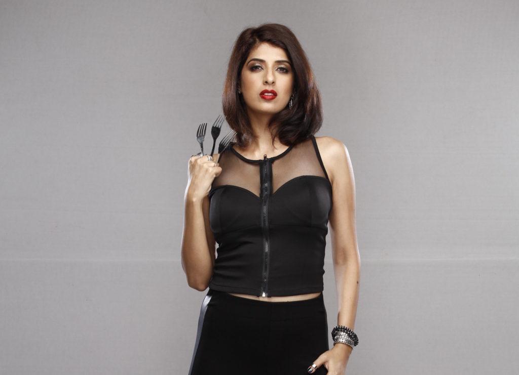 Aishwarya Sakhuja Hot Boobs Showing Pics