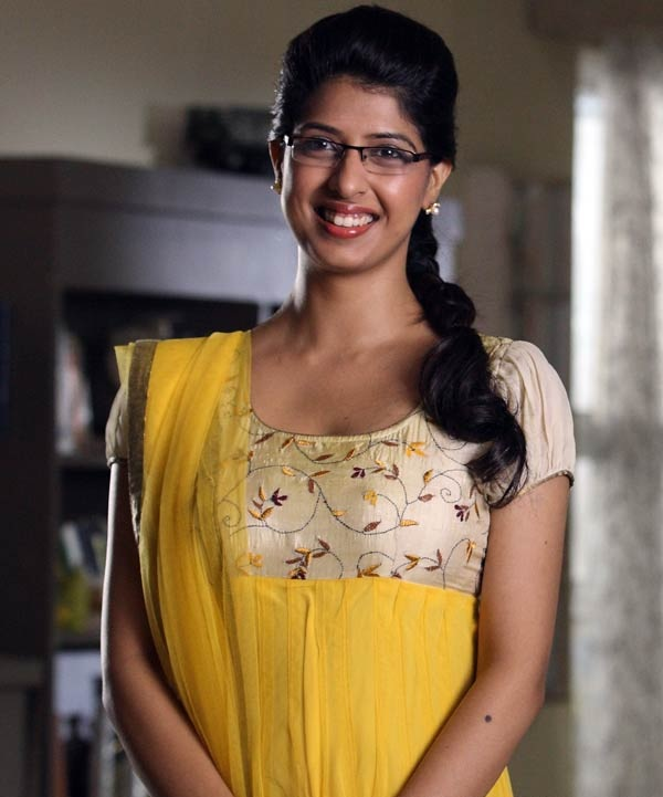 Aishwarya Sakhuja Images For Profile Pics