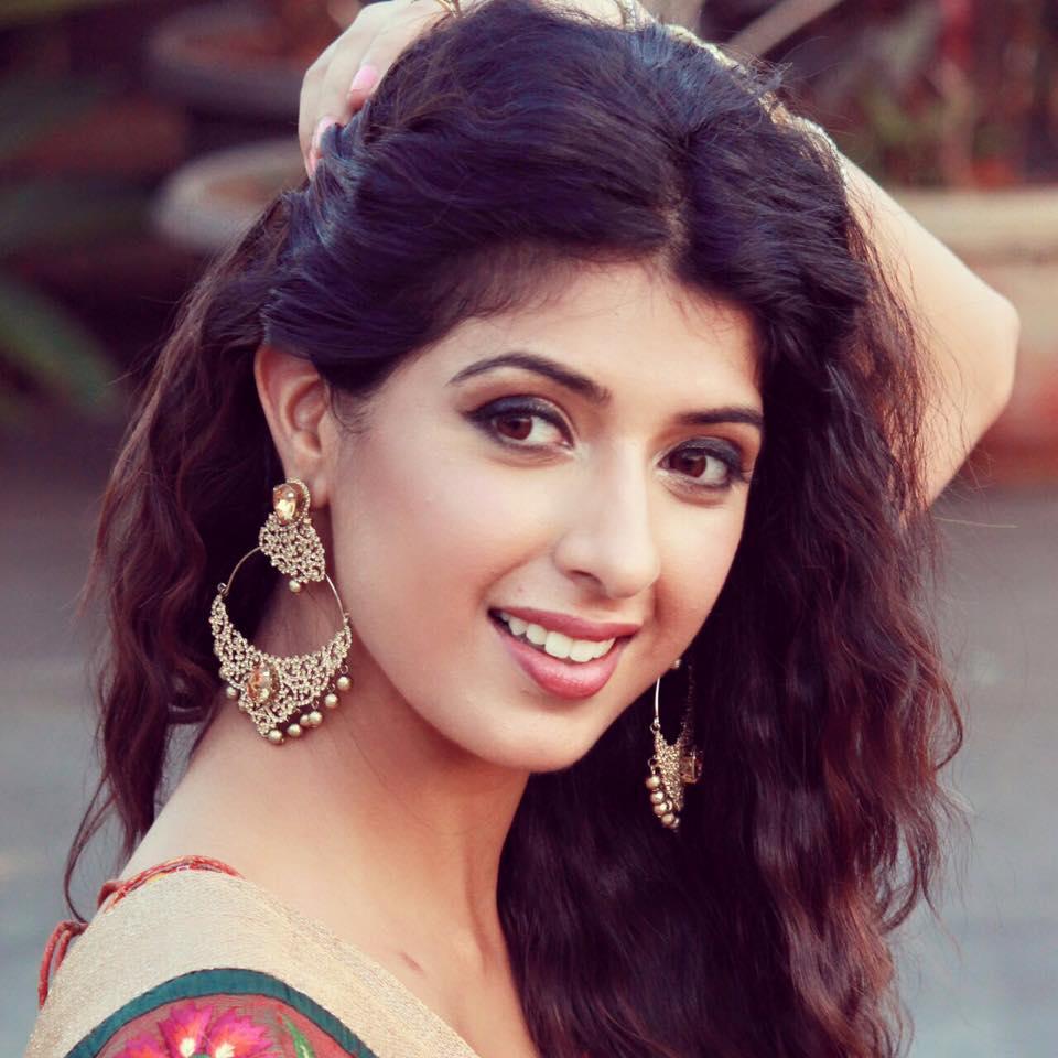 Aishwarya Sakhuja New Look Photos