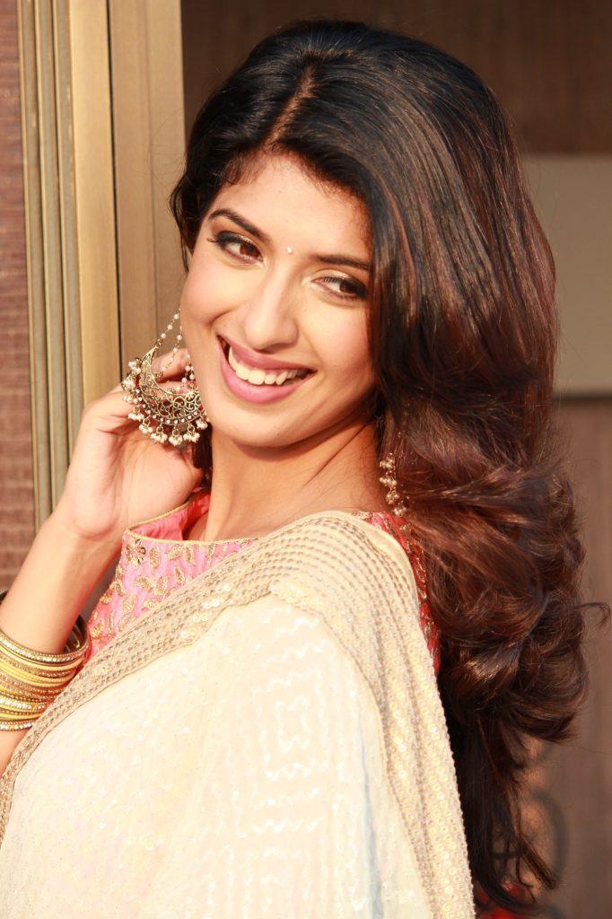 Aishwarya Sakhuja Photoshoots