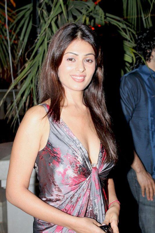Anjana Sukhani Attractive Wallpapers
