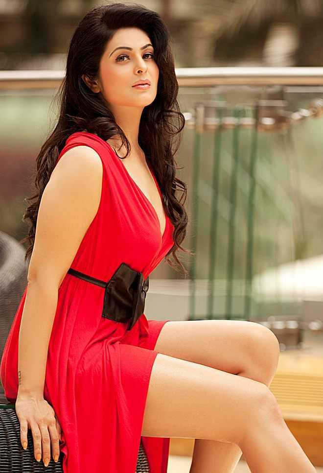 Anjana Sukhani Bombastic Images