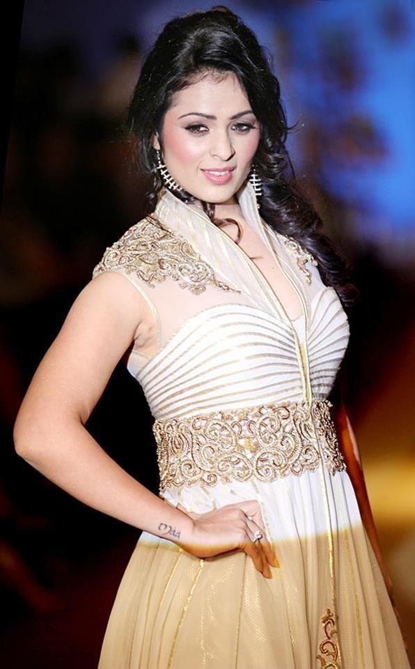 Anjana Sukhani Charming Images