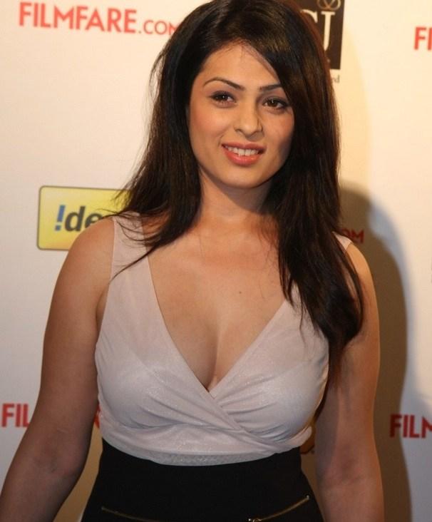 Anjana Sukhani Sexy Eyes Images