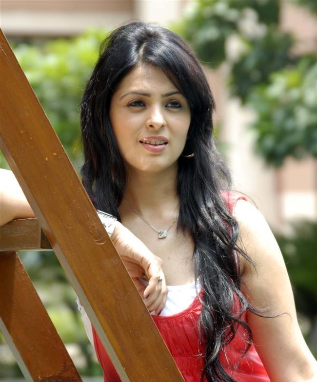 Anjana Sukhani Spicy Pics