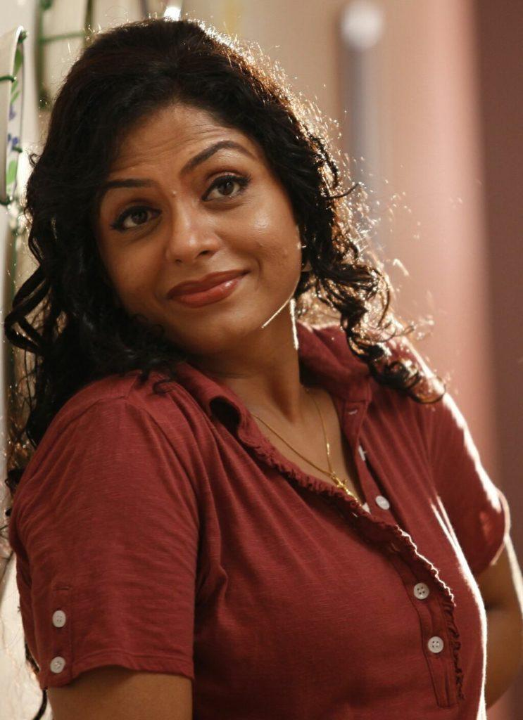 Asha Sarath HD Sexy Pictures