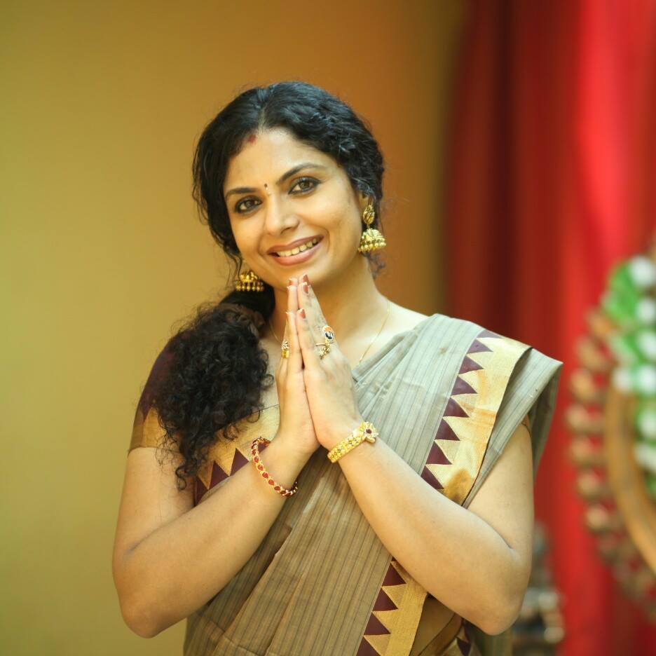 Asha Sarath Hot